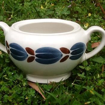 Arabia Botnia pattern sugar bowl - Mid-Century Modern