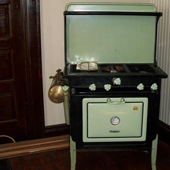 1920's Wehrle auto gas stove - Kitchen