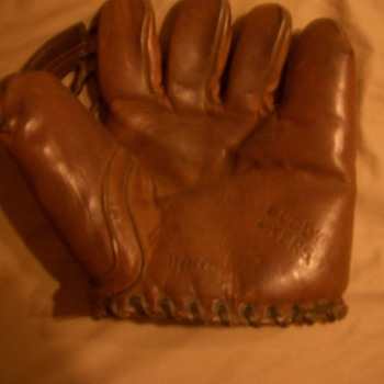 Buddy Myers Glove