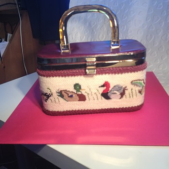 possible 1950s tapestry box handbag - Bags