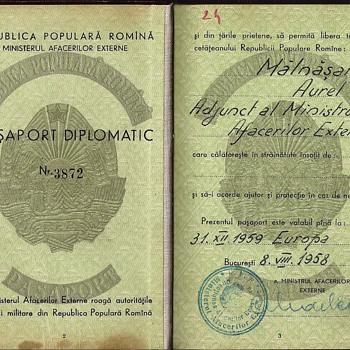1958 Romanian diplomatic passort - Paper