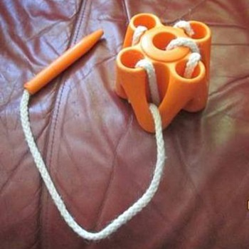 Threading learning toy - Toys