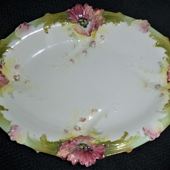 Trimed edge flowers bowl - China and Dinnerware