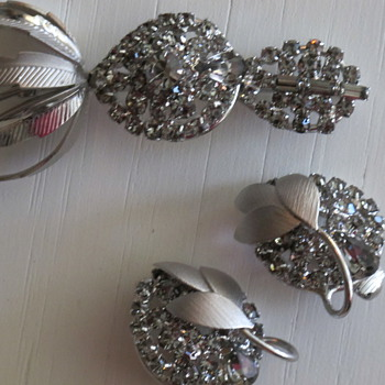 Supersized Gray Rhinestone Demi Parure UnMarked Beauty - Costume Jewelry