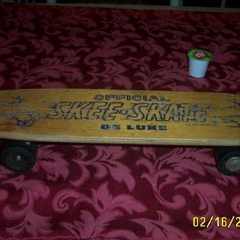 Skee-Skate Deluxe.  - Sporting Goods