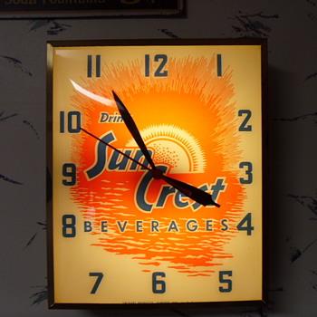 Vintage SunCrest Clock - Clocks