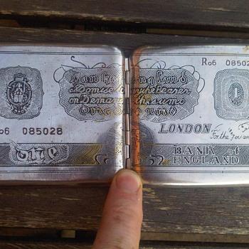 Vintage Steel case money wallet with Bank of England motif