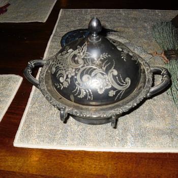 Meriden B. Company silver butter dish - Silver