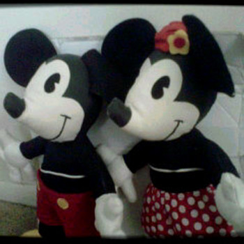 vintage Mickey and Minnie mouse set - Dolls