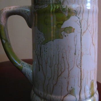 Metallic sheen pottery mug (Handdel)
