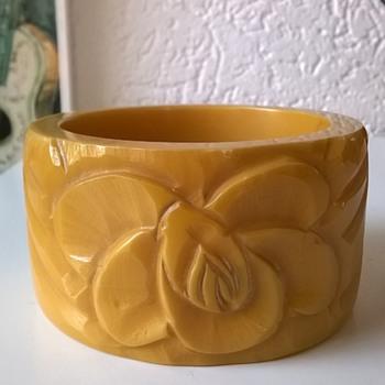 Carved Design Bracelet Flea Market Find 1 Euro ($1.12)