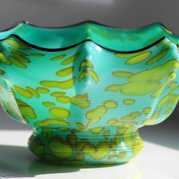 Franz Welz - Umbrella Knuckle Vase - Art Glass