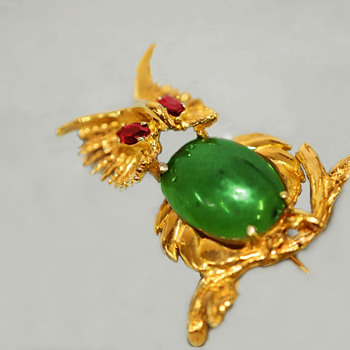 14K Gold Owl Pin with Nephrite Jade Cabachon and Red Garnet Eyes - Fine Jewelry