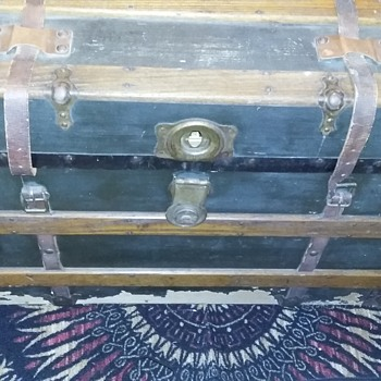 Looking for additional information...possibly time period, anything helpful and appreciated... - Furniture
