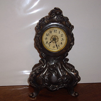 Mom's Western Clock Mgf. Co. table clock