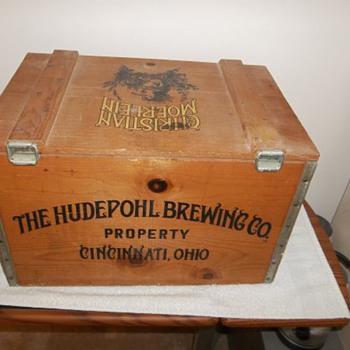 Christian Moerlein Wood Beer Case  - Breweriana