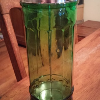 beauty shop comb jar - Glassware