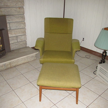trying to identify this chair and ottoman - Mid-Century Modern