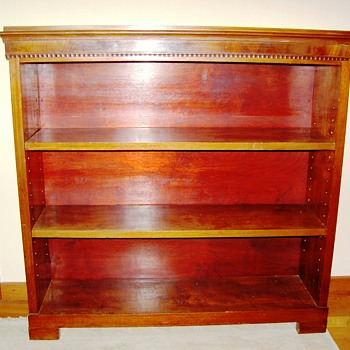 Two mahogany bookcases. Late Victorian ? - Furniture