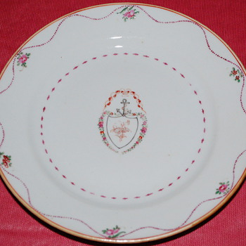 18th Century Lowestoft commissioned by an early family member. - China and Dinnerware