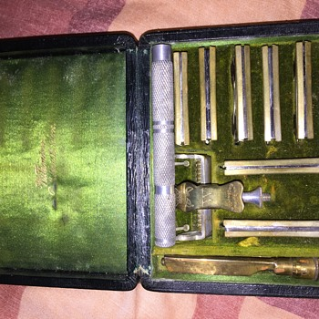 1907 pall mall 7 day safety razor set by wilkinson