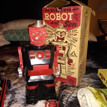 Roboi and son  - Toys