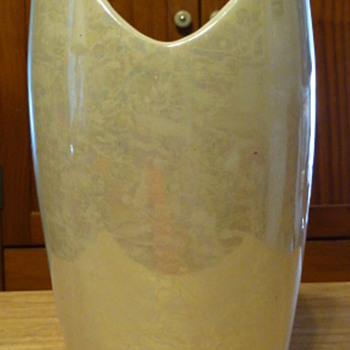 McCoy opalescent vase - Pottery