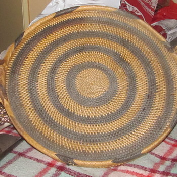 Native American tray basket
