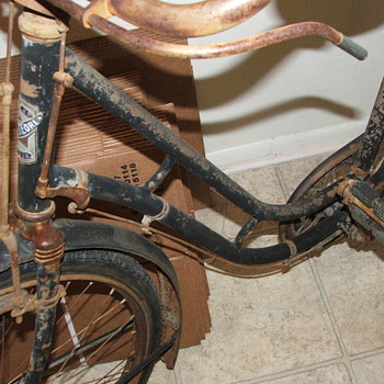 Old bicycle pick - Sporting Goods