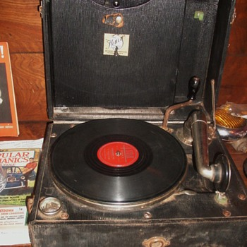 Portable Henry Phonograph  - Records