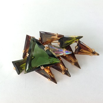Amazing brooch - Costume Jewelry