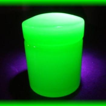 Green Opaline - Casket Box ( Murano ?? ) - Art Glass