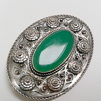Arts & Crafts chrysophase oval 800 silver brooch/pendant - Arts and Crafts
