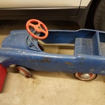 Murray 1950's pedal car? - Toys