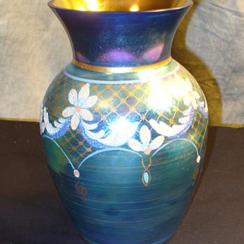 Fenton Favrene Connisseur Vase. Aurene Favrile mix. - Glassware