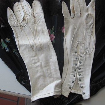 Vintage Victorian White Kid Leather Gloves - Womens Clothing