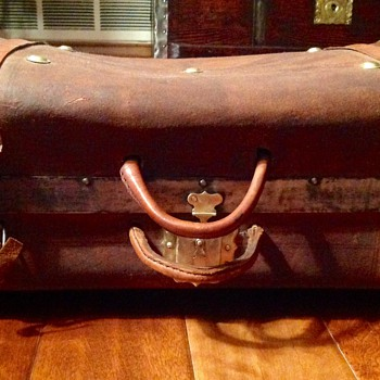 Jenny Lind hand trunk or valise - Furniture
