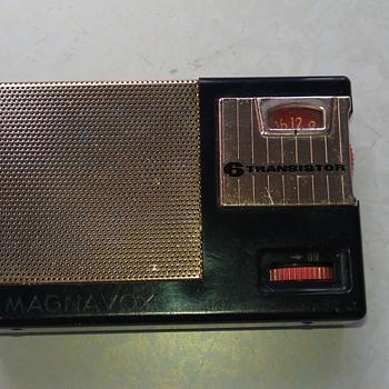 1960 Magnavox AM22