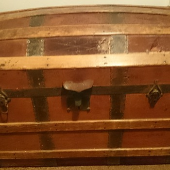 looking for more information on this trunk - Furniture