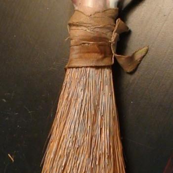 Art Deco Flapper Clothes Brush - Figurines