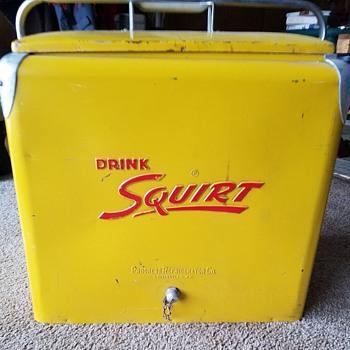 YELLOW SQUIRT COOLER, METAL EMBOSSED, ORIGINAL, NICE - Advertising