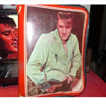 Elvis Binder - Music Memorabilia