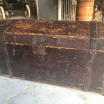 Immigrant Trunk?? - Furniture