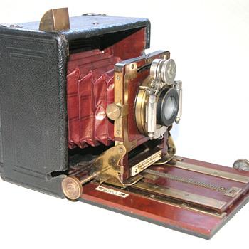 Thornton-Pickard | Nimrod Automan No.3 | 1907/8 | Hand/Stand Camera | 1/4 Plate. - Cameras