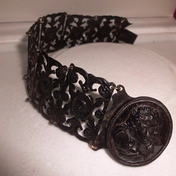 EARLY 19th CENTURY BERLIN IRON BRACELET - Fine Jewelry