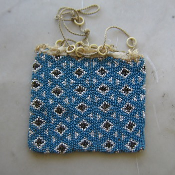 Old unfinished beaded bag - Bags