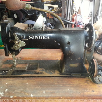 Singer industrial sewing machine  - Sewing