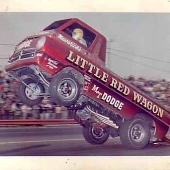 The Little Red Wagon Wheelstander