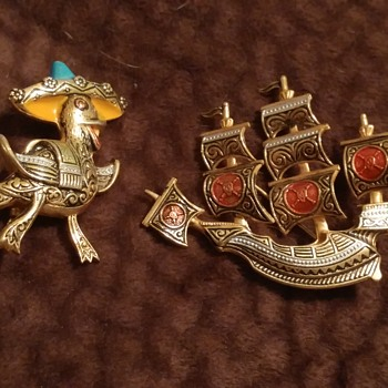 Spain pins? - Costume Jewelry