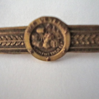 Unknown War Veteran Pin - Military and Wartime